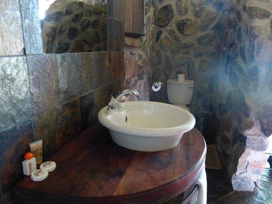 Thamalakane River Lodge : Bathroom