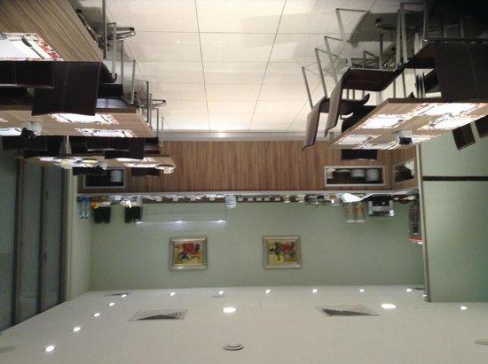 Castelli Hotel: Sala do Café da manha