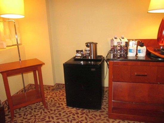 DoubleTree by Hilton Hotel Los Angeles - Norwalk: coffee maker