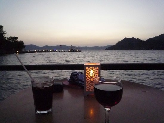 Sensimar Marmaris Imperial : Sunset at the Harmony Bar - coolest place in the evenings