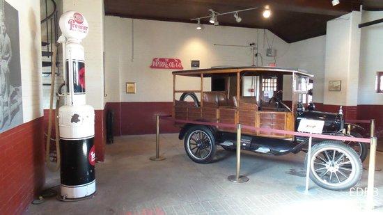 Casa Loma: vintage cars in the garage accross street - thru underground tunnel