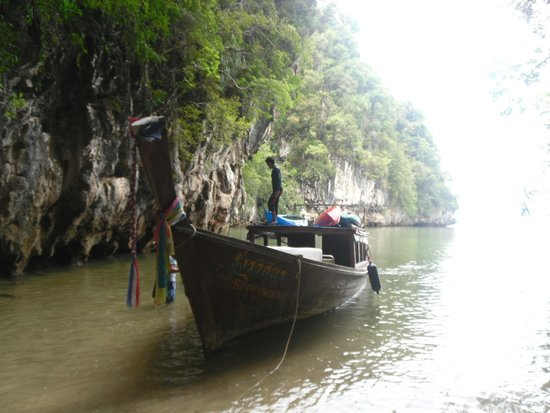 Six Senses Yao Noi: Our excursion boat