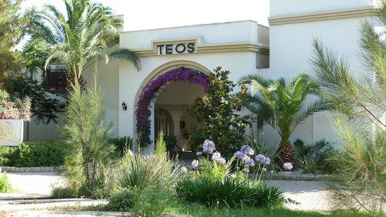 Teos Village: Eingangsbereich - gleich dahinter die Rezeption im Rondell.