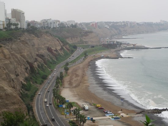 Malecón de Miraflores: View South