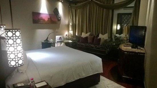 Sofitel Mumbai BKC : Dark interior is personally not liked.