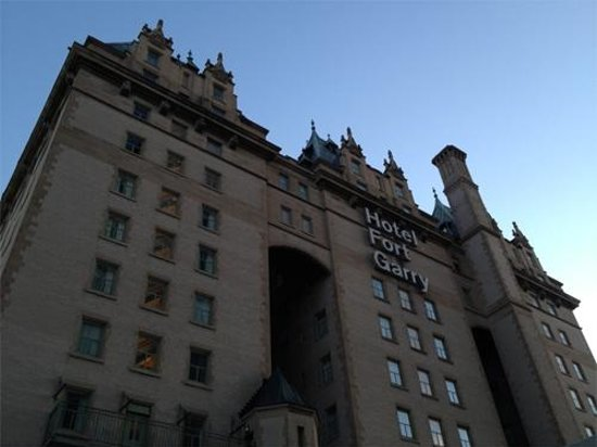 Fort Garry Hotel: The historic For Garry Hotel, as seen from the parking lot.