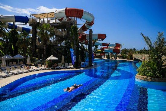 Royal Holiday Palace: Large pool shot