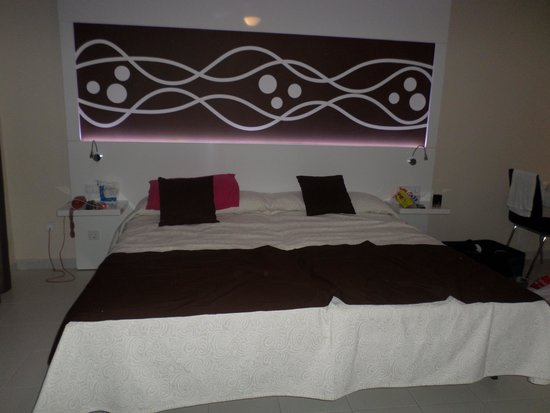 Playa Olid Apartments: Lovely modern room!