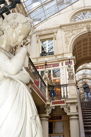 Passage Pommeraye : Statue