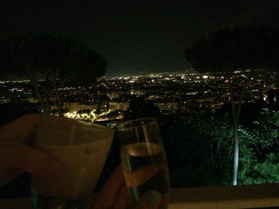 Rome Cavalieri, Waldorf Astoria Hotels & Resorts: balcony view of rome