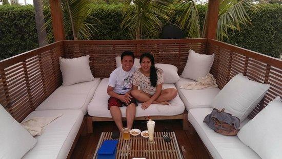 Hotel Paracas, A Luxury Collection Resort, Paracas: Day bed frente a la piscina!