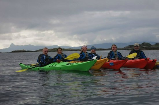 Rockhopper Sea Kayaking - Day Tours: Happy paddlers