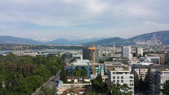 Hotel InterContinental Geneve : View towards Lake Geneva
