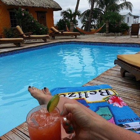 Seaside Cabanas : the best pool on the island and the rum punch was delish!