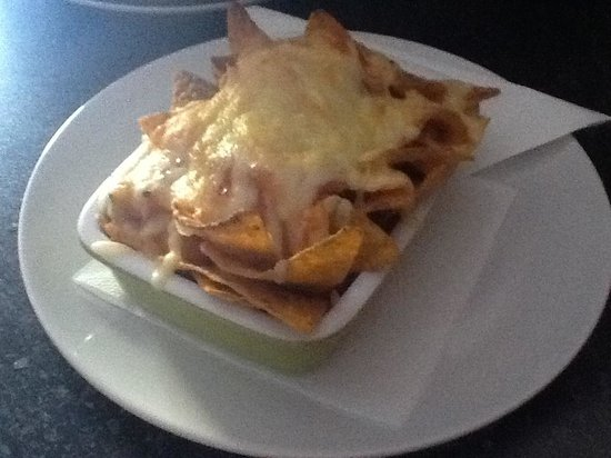 Oxygen Cafe bar : Nachos with cheese & salsa €2'50