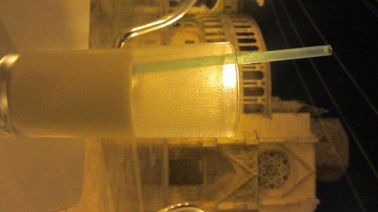 Plaza de la Virgen: horchata en la plaza