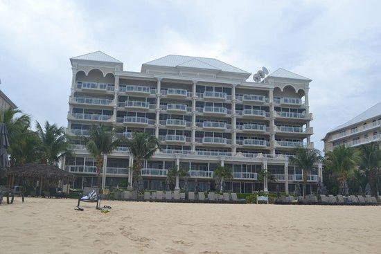 Beachcomber Grand Cayman : Beachside