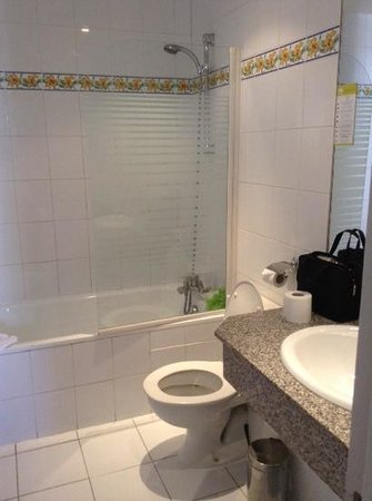 Hotel Berne Opera: bathroom