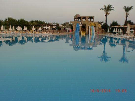 Felicia Village: piscine