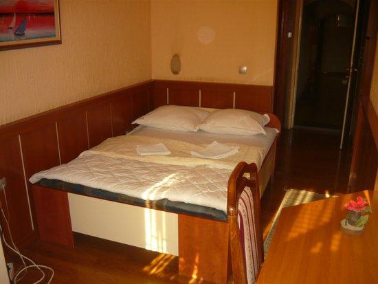 Motel Nana: Room