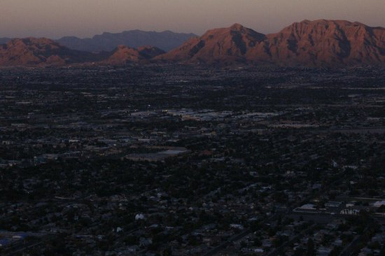 Stratosphere Tower: Sunset in East Vegas