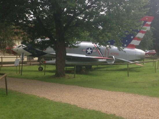 Norfolk and Suffolk Aviation Museum: Clever display among the trees