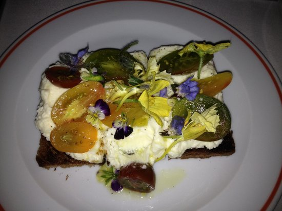 FIG : Jersey Ricotta Toast