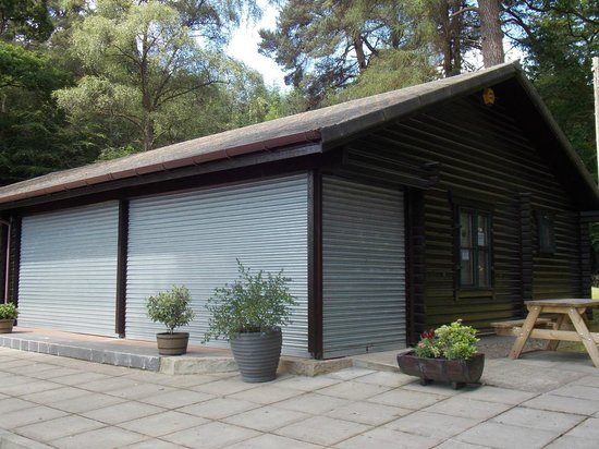 Pitlochry Boating Station Cafe: Shuttered Up  : 01 July 2014