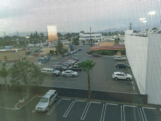 Holiday Inn Express Van Nuys : view from room