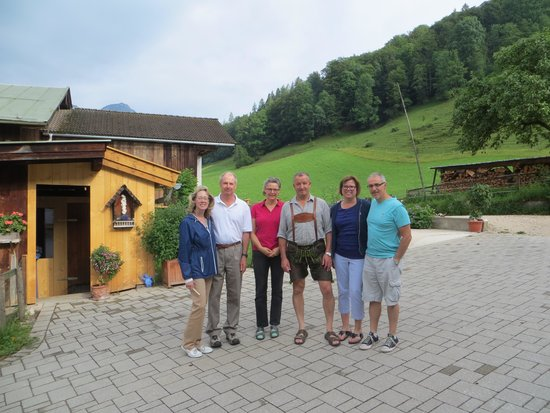 Mayringerlehen: Posing with our hosts~
