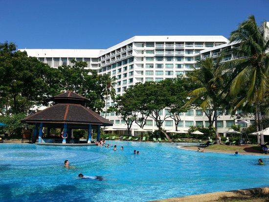 Sutera Harbour Resort (The Pacific Sutera & The Magellan Sutera) : View of Pacific Sutera from the pool