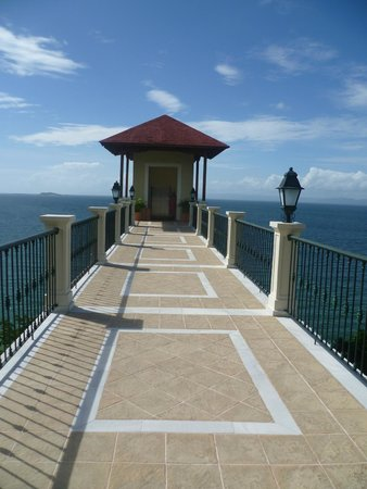 Grand Bahia Principe Cayacoa : The lift to the beach