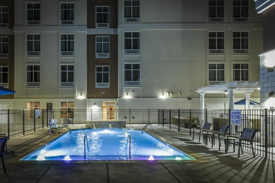 Homewood Suites by Hilton Charlotte Ballantyne Area: Pool