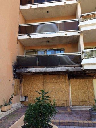 Pierre & Vacances Résidence Les Platanes : Pas d'avis récent et pour cause... Un incendie a sinistré la résidence en février 2014 et pas de