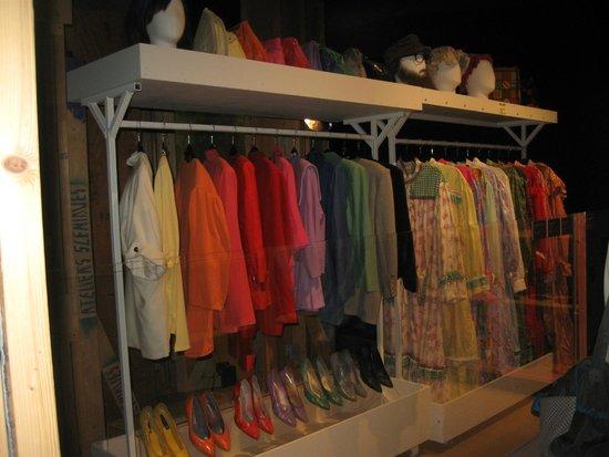 Musée Québécois de Culture Populaire : Les costumes de la Petite Vie