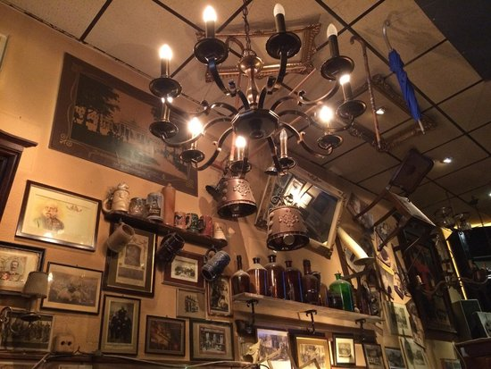 Berlin Food Tour: One of the pubs
