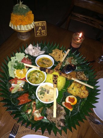 Cafe Wayan & Bakery : The Indonesian Rice Table. Very good.