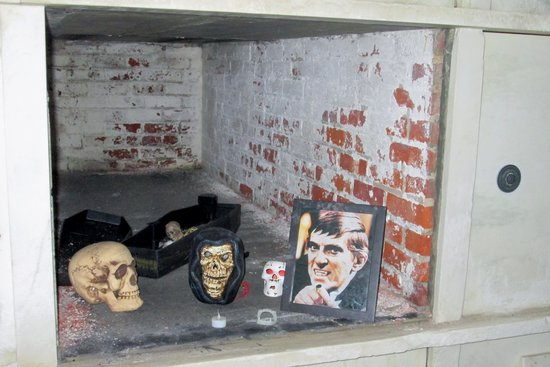 Sleepy Hollow Cemetery: inside the receiving vault