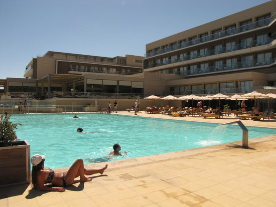 Aktia Lounge Hotel & Spa : la piscine