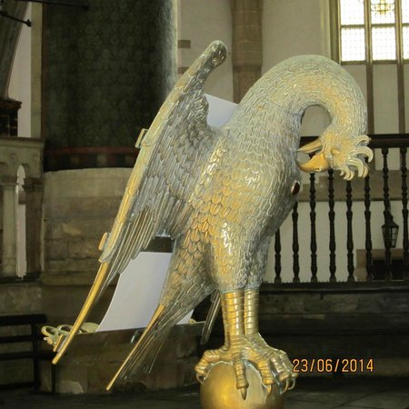 Sint-Bavokerk (Church of St. Bavo) : Lectern in the shape of a bird
