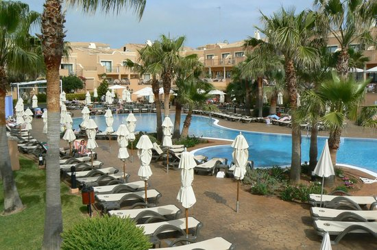 Valentin Star Hotel : The pool in the evening