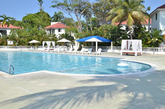 Puerto Plata Beach Resort: Piscina