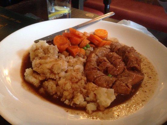 King George IV Restaurant: Cumberland sausage & mash :)