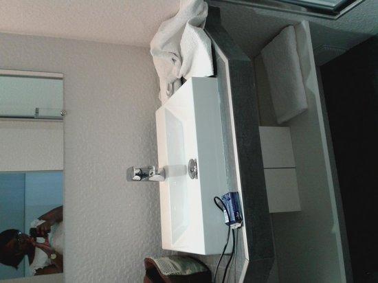 Hotel Nation Montmartre: bathroom 2