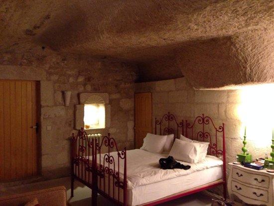 Hezen Cave Hotel: Guest room