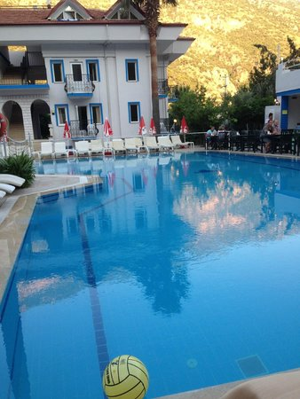 Akdeniz Beach Hotel : ah lovely evening
