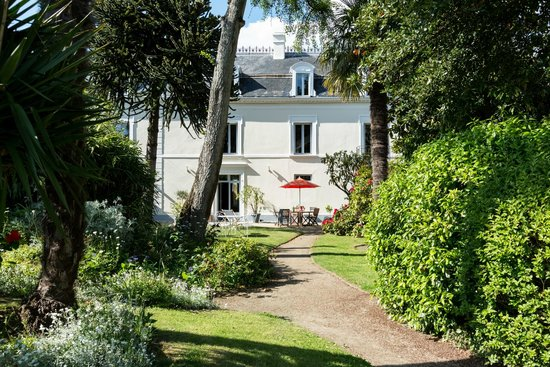 Villa Saint Raphael: La villa Coté Jardin