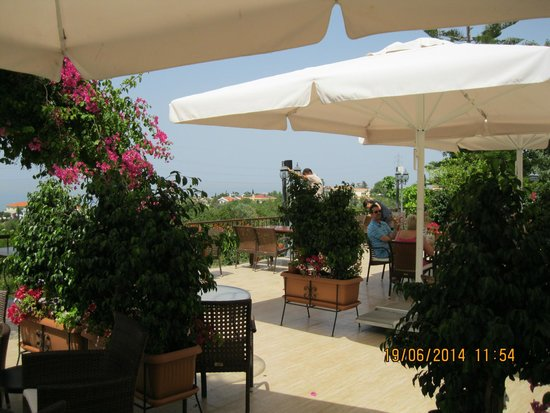 Hotel Bellapais Gardens: New location for resturant from July 2014