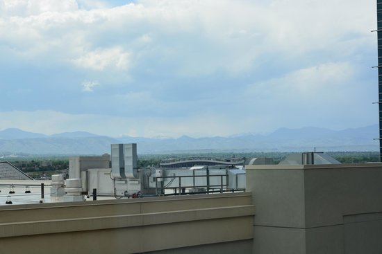 Homewood Suites by Hilton Denver Downtown-Convention Center: View of the Front Range from the 10th floor