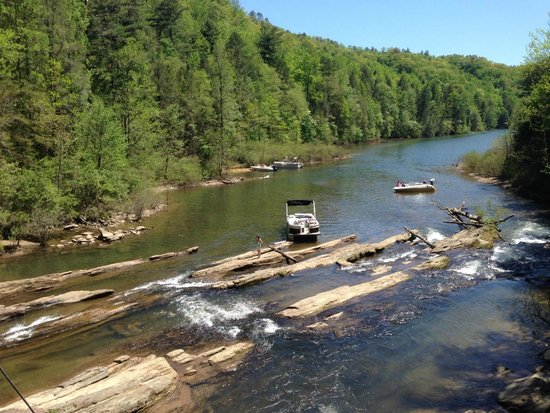 Jocassee Lake Tours : being picked up at trail end